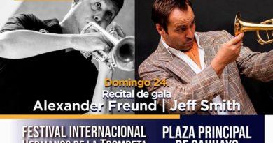 ALEXANDER FREUND Y JEFF SMITH EN EL FESTIVAL INTERNACIONAL HERMANOS DE LA TROMPETA EN SAHUAYO EN LA PLAZA DE SAHUAYO