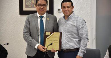 JESUS GOMEZ GOMEZ RECONOCE LABOR DE LA UdeG EN SAHUAYO