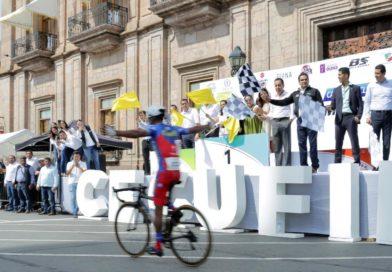 Eduardo Corte, campeón de la Carrera Ciclista Internacional por la Paz
