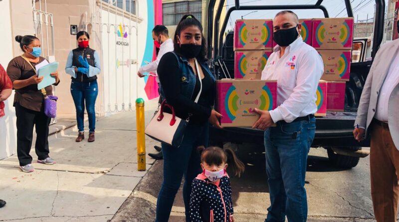 Entrega Palabra de Mujer 422 paquetes de Michoacán Alimenta a mujeres michoacanas